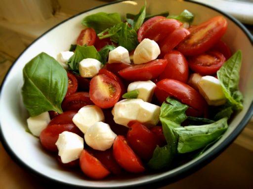 Tomato Mozza Salad